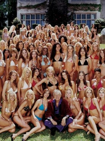 Hugh-Hefner-and-his-bunnies